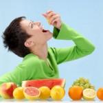میوه ها را چه وقت بخوریم ؟